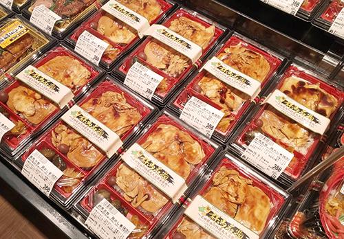 鶏めし陳列